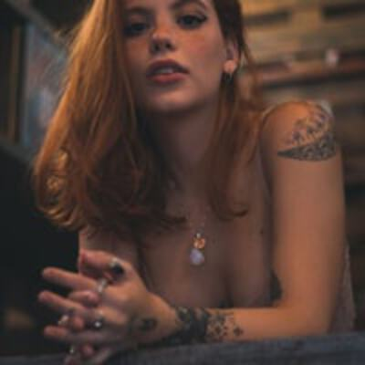 Laura24|28